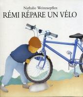 Rémi répare un vélo